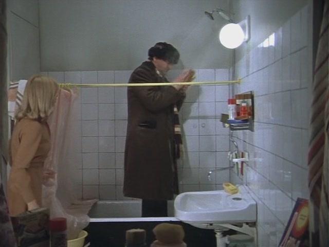 Я пойду в душ в одежде