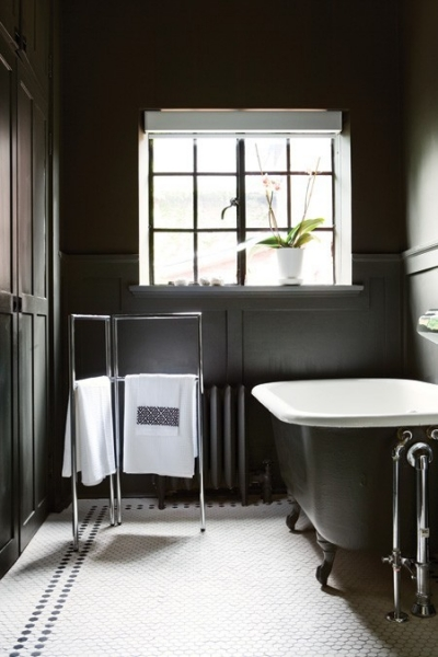 Ванная комната в черном цвете фото